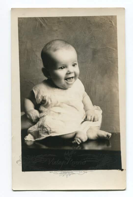 1930s baby photo