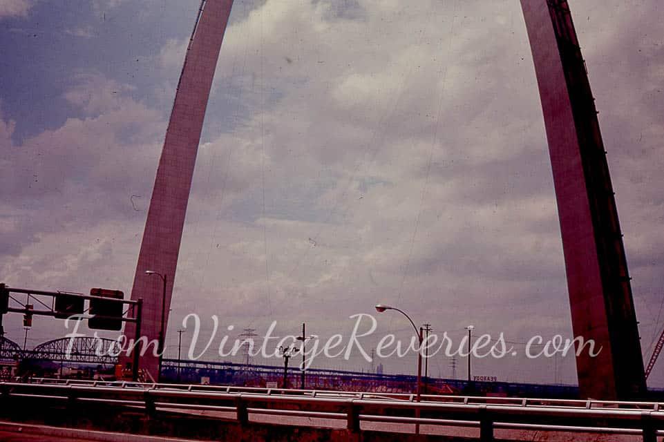 1960s gateway arch photos