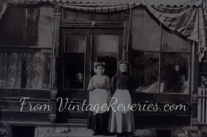 A bakery shop in 1917