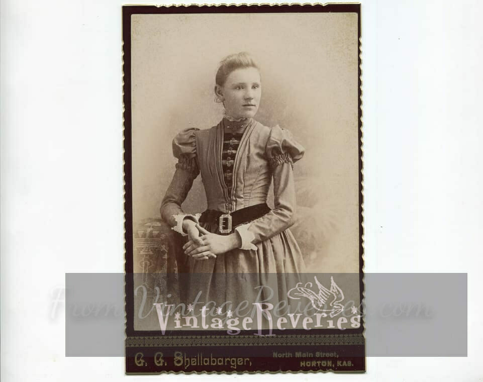 1890s fashionable teenager