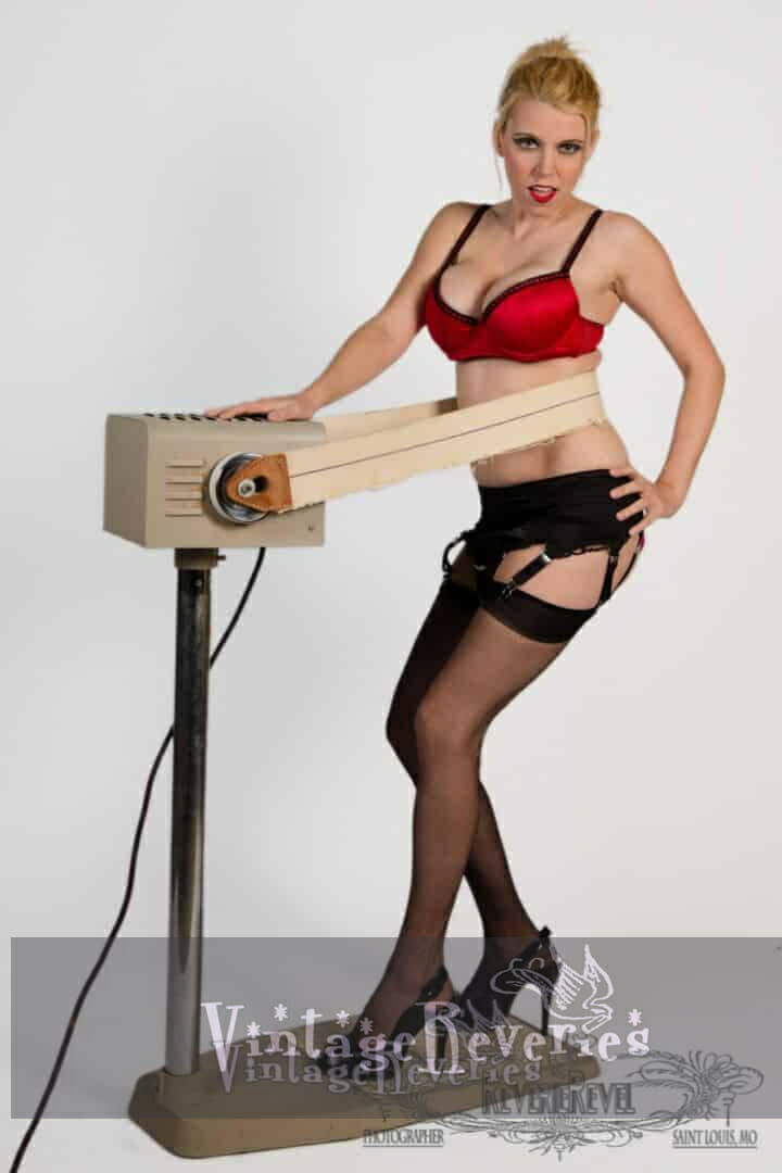 pinup exercise machine