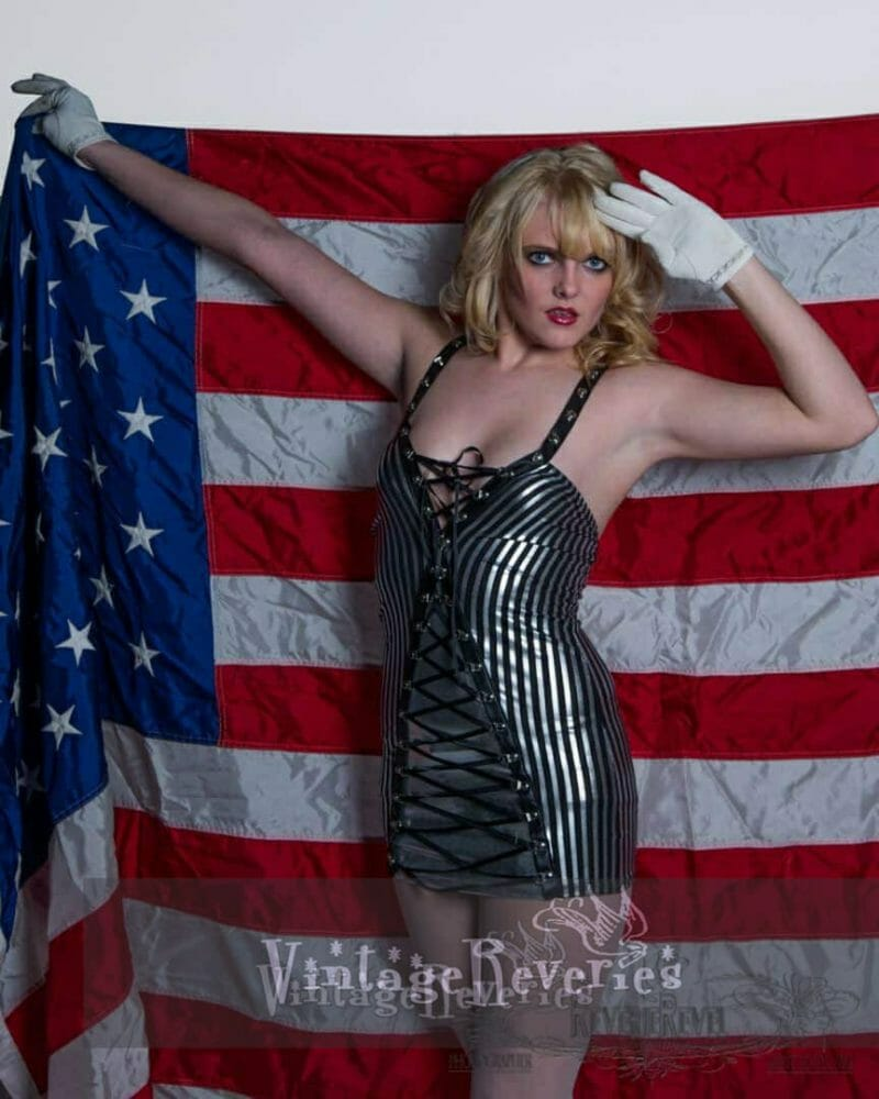 pinup with the american flag