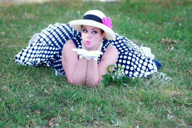 bbw model in the park