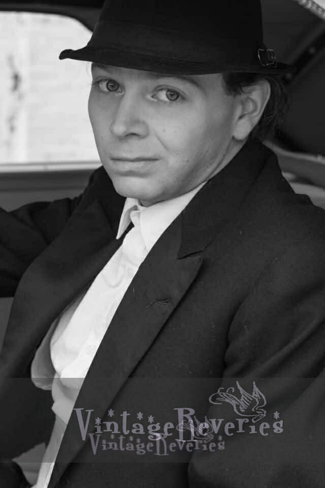 1930s style photographer