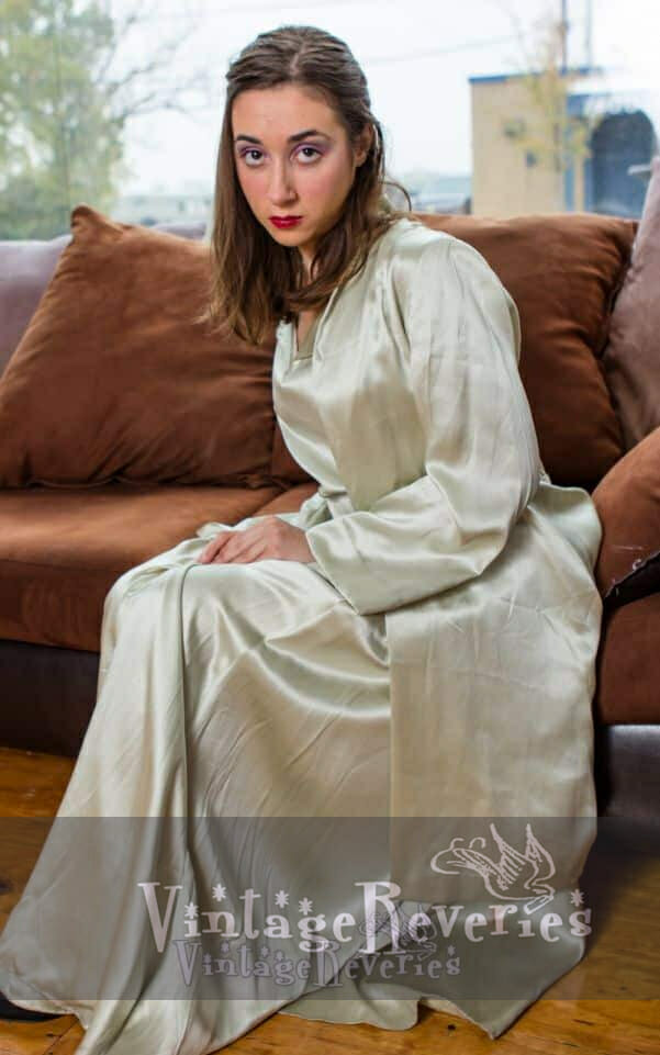 classic dressing gown 1940s