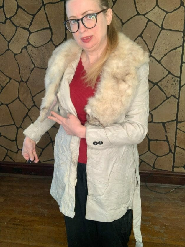 Vintage 1970s white suede coat with real fox fur collar