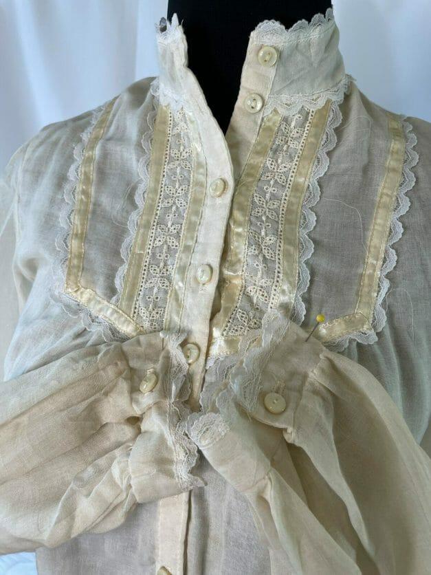 Vintage white Gunne Sax shirt