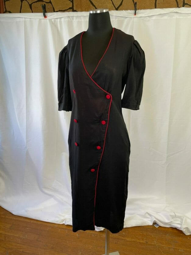 1980s does the 1940s pinup wrap dress