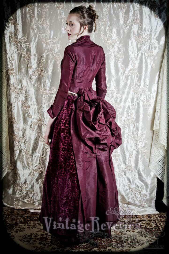 lovely bustle 1880s dress